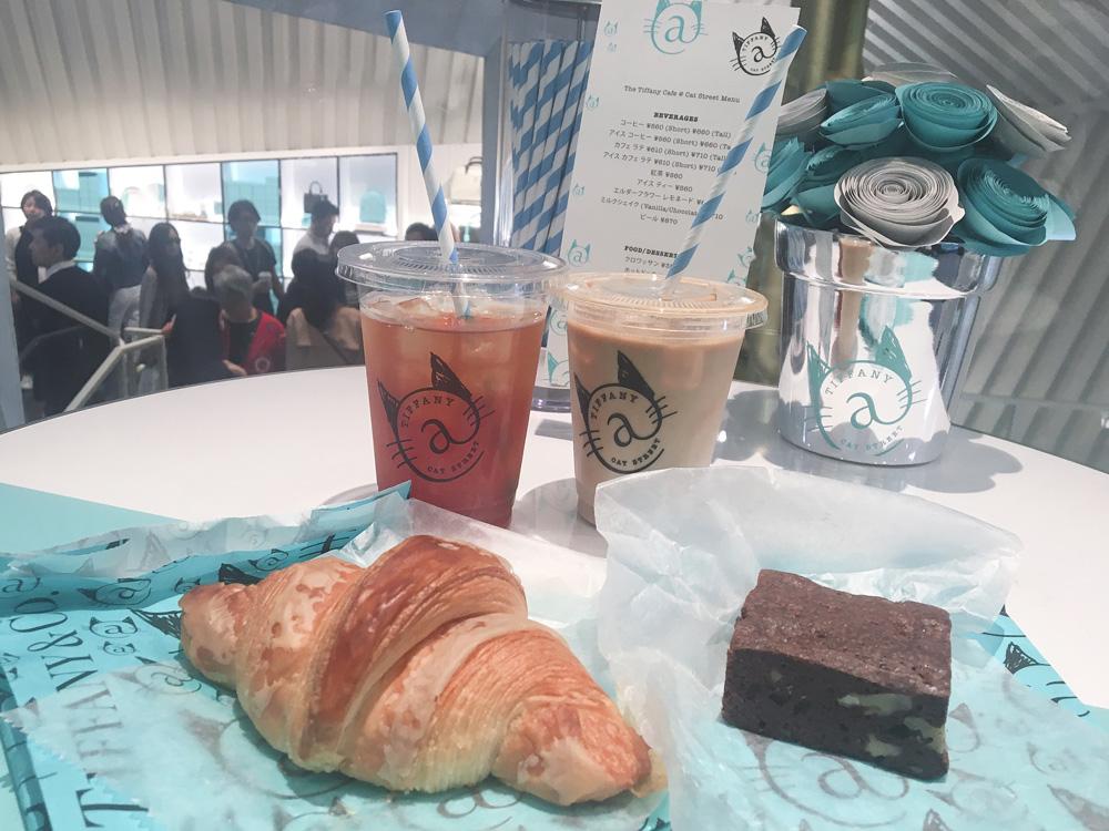 ティファニー:今回はクロワッサンとチョコブラウニー、紅茶、カフェラテをいただきました!