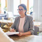 オシャレカフェのバイト面接でよく聞かれる質問集、面接官の意図とは?